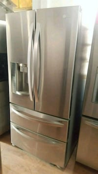 LG 33 STAINLESS STEEL COMPACT 4 DOOR REFRIGERATOR  Long Beach, 90815