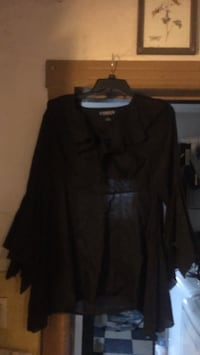 witchy  top. size xl Quakertown, 18951