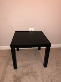 Side Table Arlington, 22203