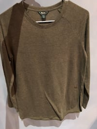 Roots olive green long sleeved knit  Markham, L6E 0H0