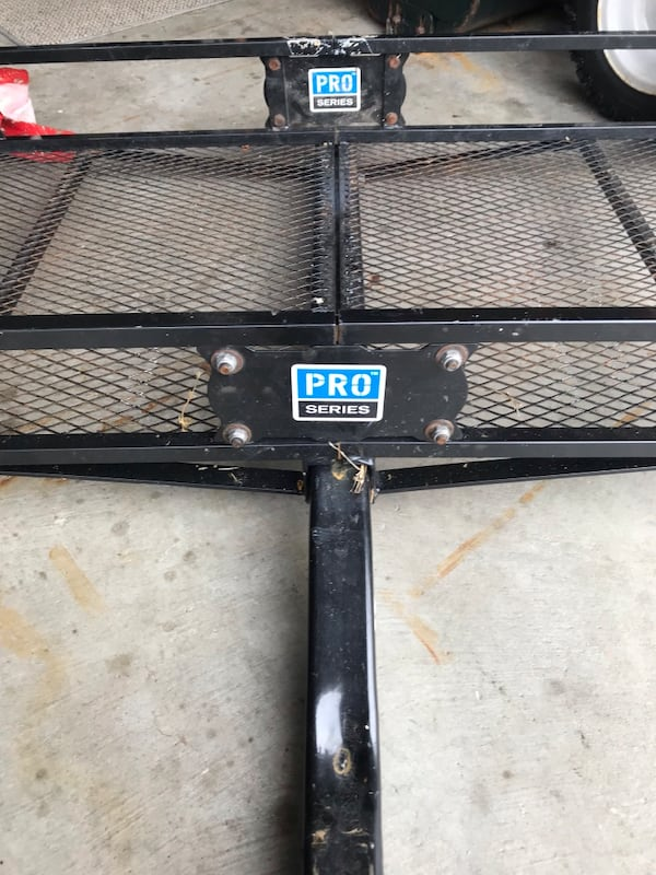 Small utility trailer 5 feet by 26 inches 0