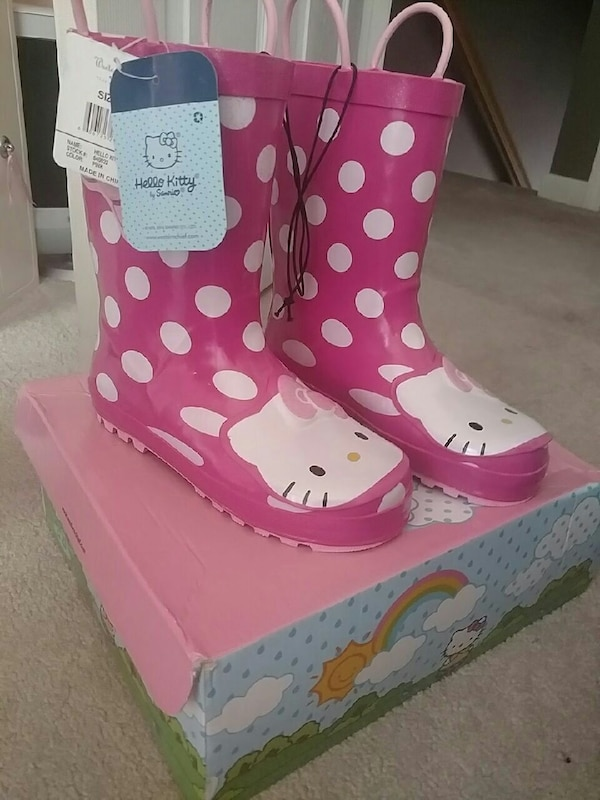6a79d6beb Used Hello kitty rain boots for sale in Jackson - letgo