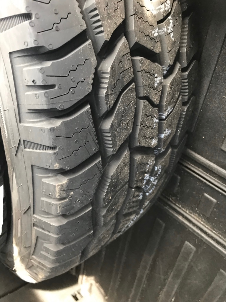 Photo 1 235/65 r18 winter tire Cooper Discoverer AT NEW