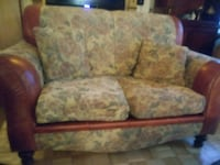 brown and white floral fabric 2-seat sofa Montréal, H1T 4A5