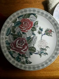 round white and red floral ceramic plate West Babylon, 11704