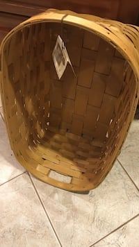 Brown wooden basket Potomac, 20854