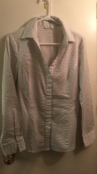grey and brown button-up long-sleeved collared shirt