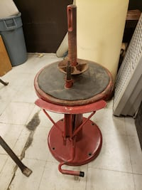 Vintage tire machine sold as is not all parts are there Omaha