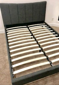 Queen bed frame  Las Vegas, 89109