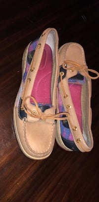 Tan sequence Sperry shoes; size 7 Plum, 15068
