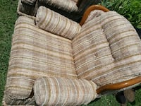 brown and white padded armchair Jefferson City, 65109