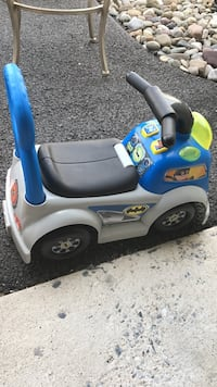 White and blue little tikes cozy coupe Frederick, 21704