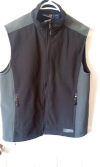 MENS VEST SIZE MEDIUM $4.00 Central Okanagan