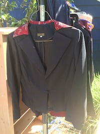 black and red notch-lapel suit jacket Seattle, 98103