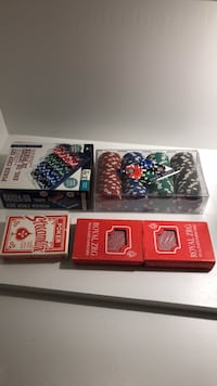 Poker chip set plus 3 playing cards Newmarket, L3Y 3G9