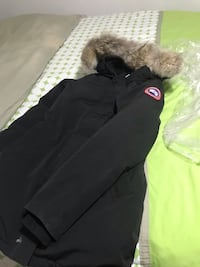 Canada goose Jacket size:Small Toronto, M3B 3S6