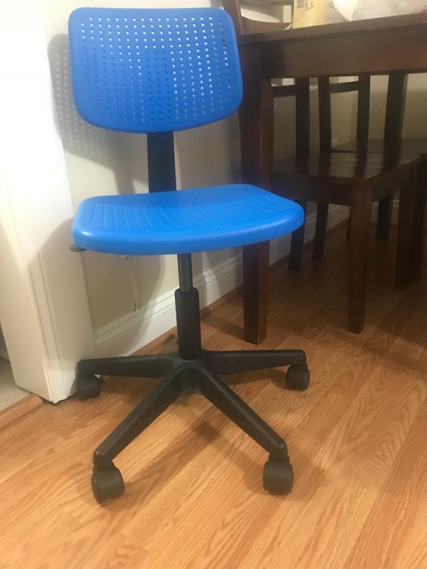 Blue and black rolling chair afc56605-ef21-4d89-a216-fa07587d72be