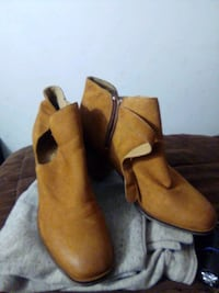 Womans Aldo... swade heel boot