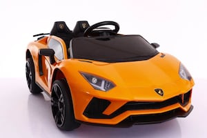 Toy riding car