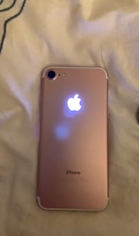 iPhone 7 Pink WITH LIGHT-UP LOGO MOD Herndon, 20170