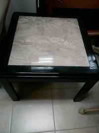 Cherrywood and tile top end table Pembroke Pines, 33024