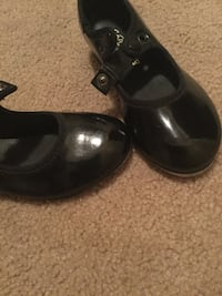 Tap shoes 6 1/2 Middletown, 21769