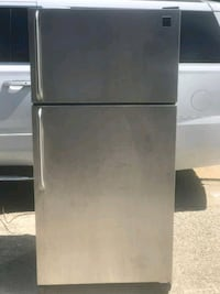 Really Cold!!!! Frigidaire Stainless Steel Refrige Mesquite