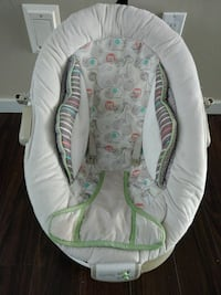 baby's white and green bouncer Kelowna, V1X 7P1