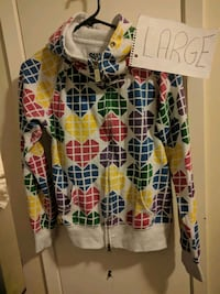 white and multicolored floral long-sleeved shirt 480 km