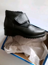 Size 8 new in box / neuf dans sa boîte Ladies boots #33 Laval, H7P 5V3
