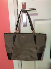Coach handbag Pickering, L1V 6R3