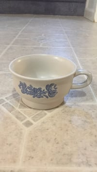 white and blue floral ceramic teacup Sykesville, 21784