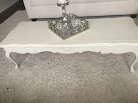 Vintage looking coffee table with drawer