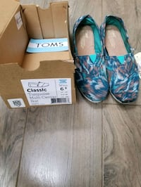 Tom shoes Bradford West Gwillimbury, L3Z 1R9