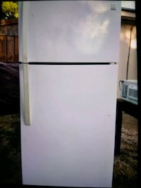 white top-mount refrigerator San Antonio, 78237