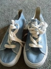 pair of gray-and-white low top sneakers Kelowna, V1X 7Z6