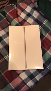 iPad 6th generation and WiFi  2261 mi