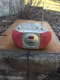 red and silver portable DVD with radio Hamilton, L0R 2Z7