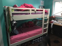 Wooden bunk beds Abbotsford, V2T 5G6
