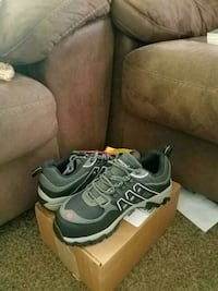 black-and-gray hiking shoes with box Wichita, 67217