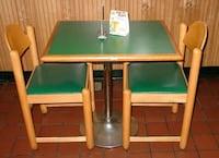 Table and 2 chairs Glen Burnie, 21060