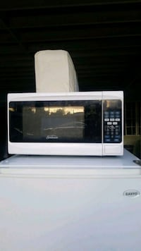 white and black microwave oven Los Angeles, 91331