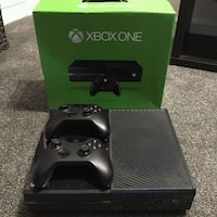 Xbox one two controllers and games Gainesville, 20155