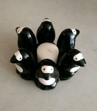 Penguin candle holder with candle 882 mi