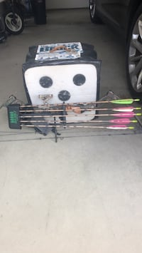 Matthews compound bow and all equipment including target  Rising Sun, 21911