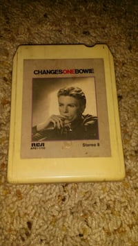 David Bowie changes one 8 track  Weslaco, 78596