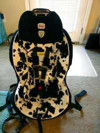 black and white Cosco car seat Knightdale, 27545
