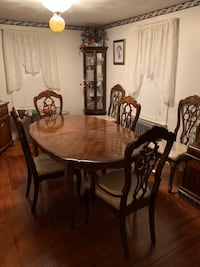 Dining Room Table with 6 Chairs East Providence, 02915