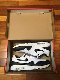 Nike air max 1 size 10.5 new  Calgary