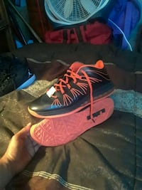 pair of red-and-black Nike basketball shoes Palm Harbor, 34684